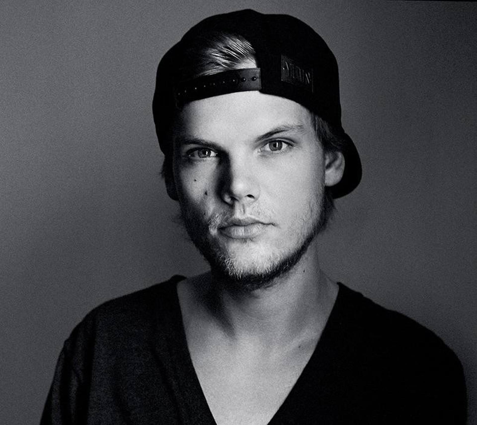 AVICII HAS UPDATED HIS WEBSITE WITH PROMISE OF RETURN IN 2017