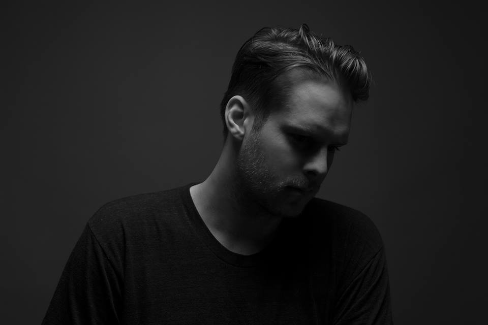 Adrian Lux – Torn Apart (Fehrplay Remix) [Axtone]