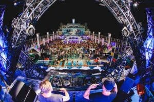 IT'S THE SHIP WRAPS 4th ANNUAL EDITION:  4000 PEOPLE FROM 88 COUNTRIES ONBOARD