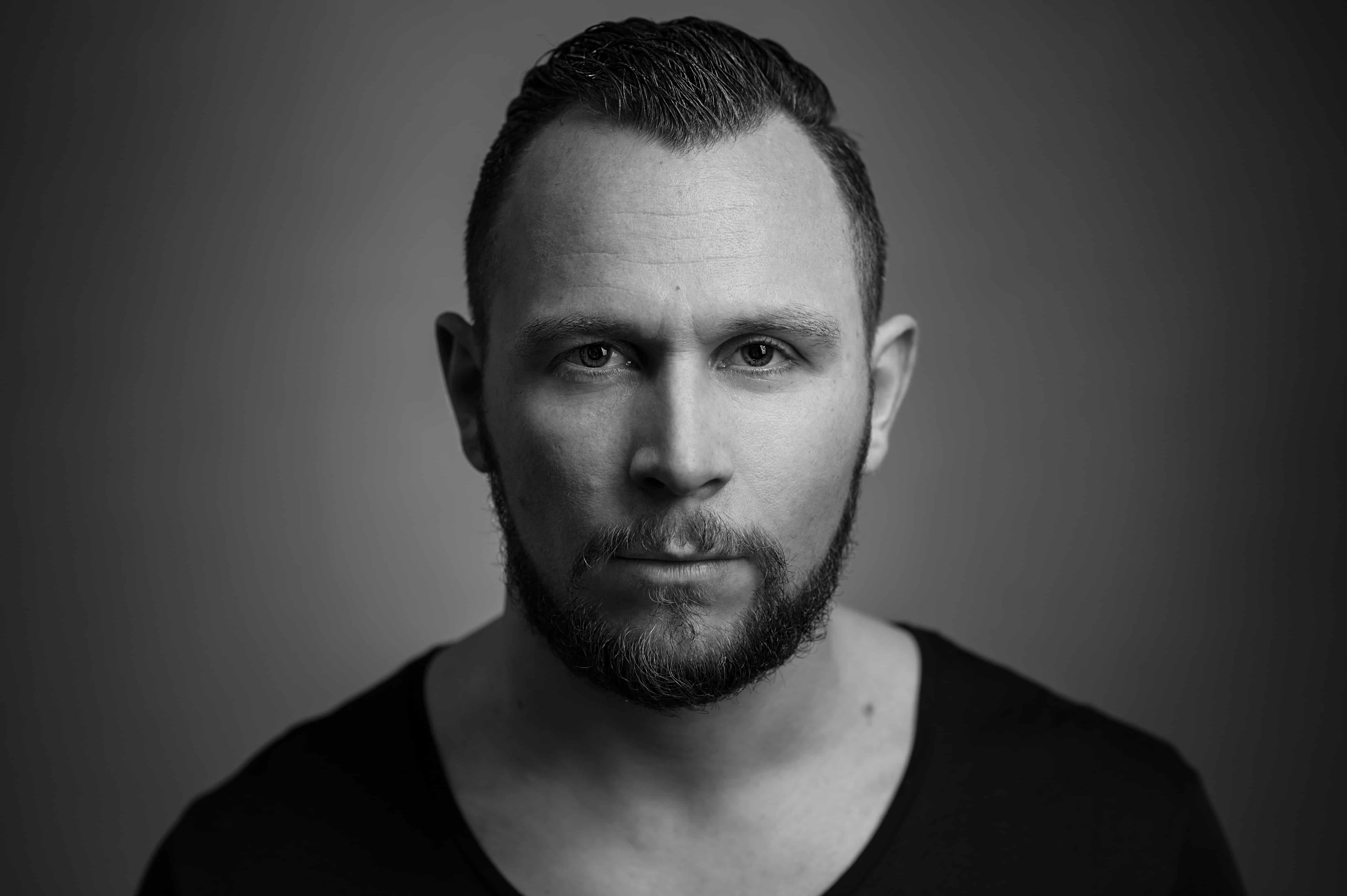 Sebastian Bronk Feat. Axel Ehnström – Find Me [Goons]