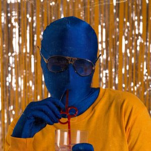 "Salon Acapulco Dazzles Fans with ""Lemon Tree"""