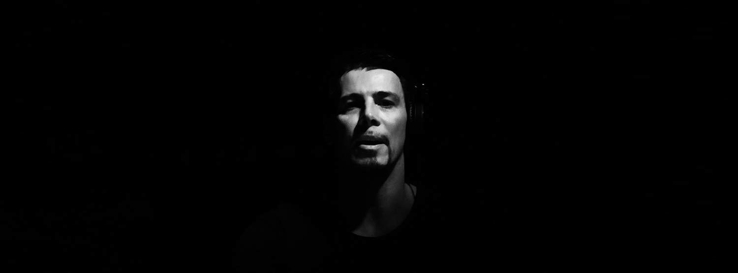 AU-1 – the New Tech House Project from Thomas Gold / Single on Toolroom